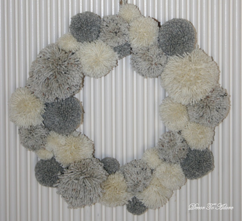 finished pom pom wreath