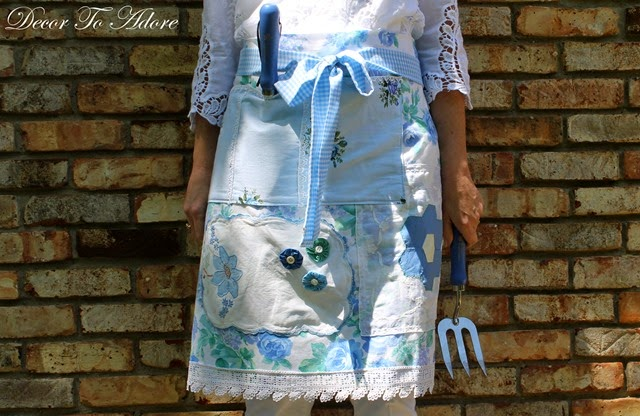 Eleanor's Aprons with pocket