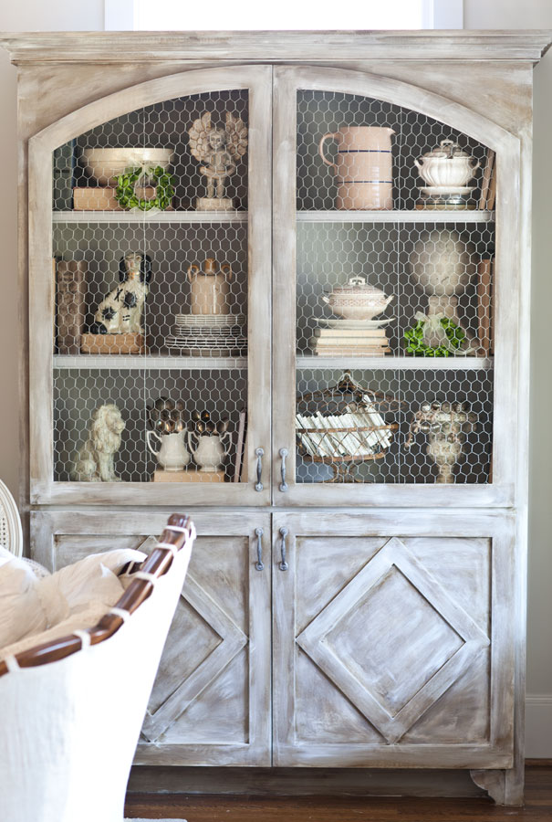 chicken-wire hutch