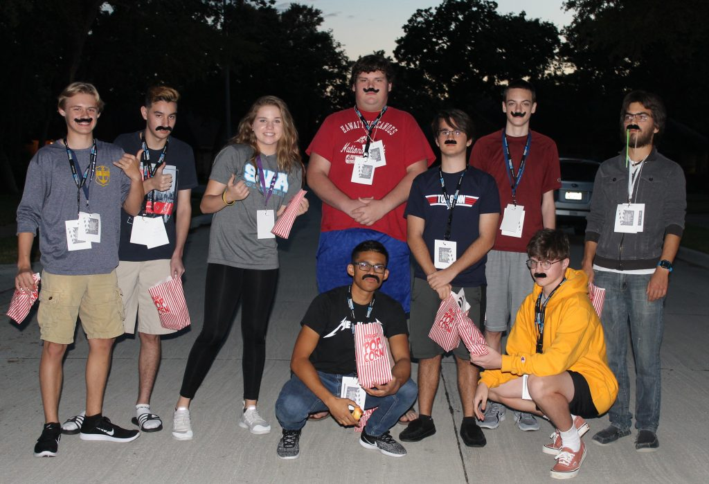 How To Plan An Epic Scavenger Hunt For Teens