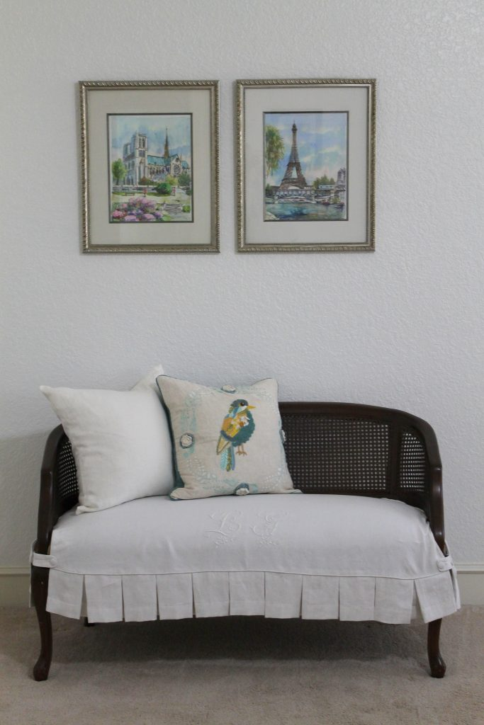 Spring 2018 Bedroom Decor To Adore settee