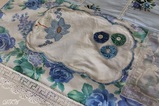 Eleanor's Aprons blue