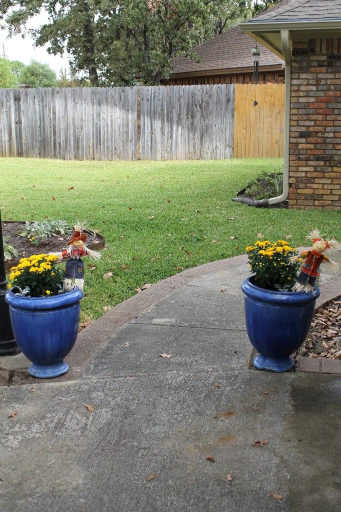 Storybook Cottage Fall Garden Tour Scarecrow