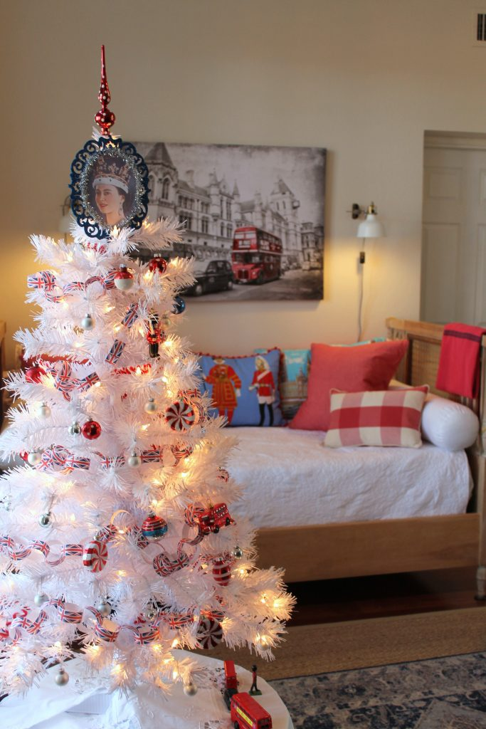 Queen Elizabeth Christmas tree