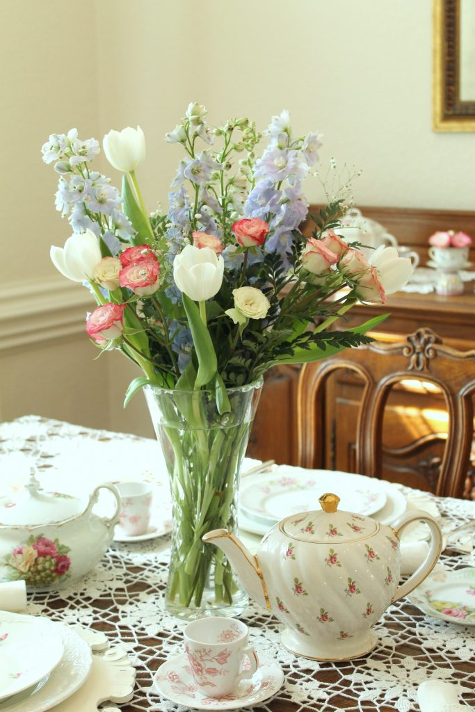Royal Wedding Tea centerpiece