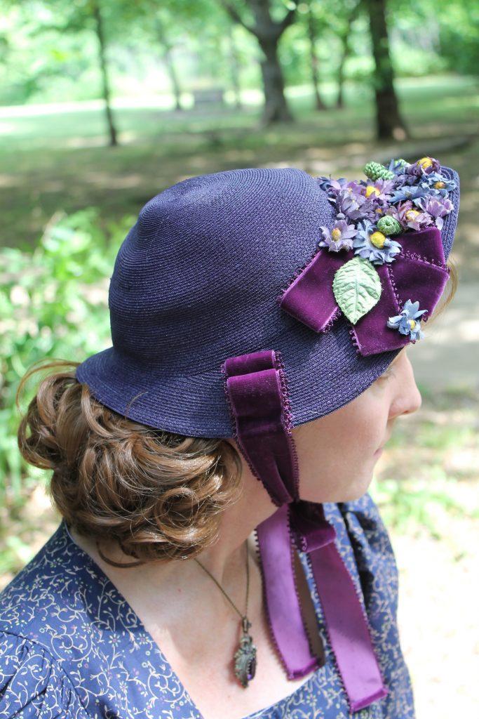 Prairie Day 1880's Ensemble bonnet