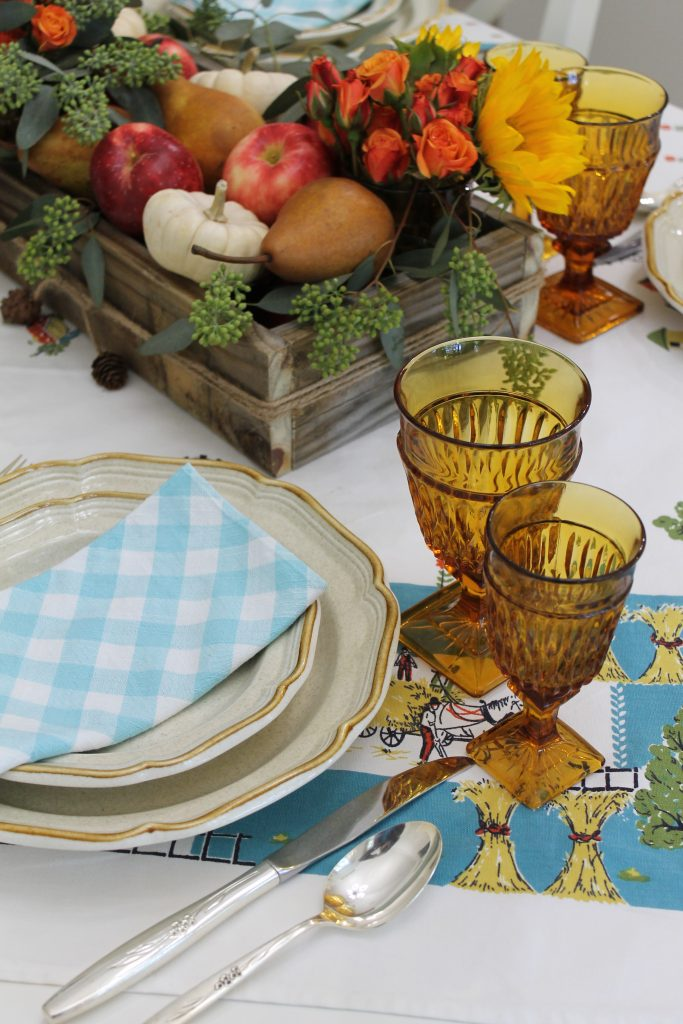 An Everyday Thanksgiving Table Decor To Adore