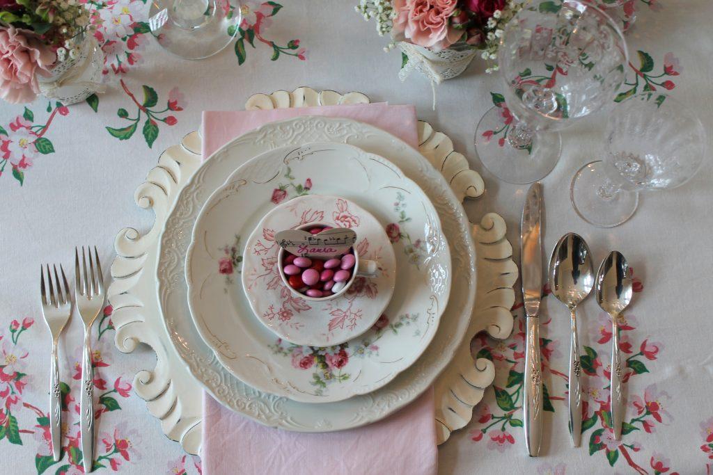 Valentine Tablescape Decor To Adore