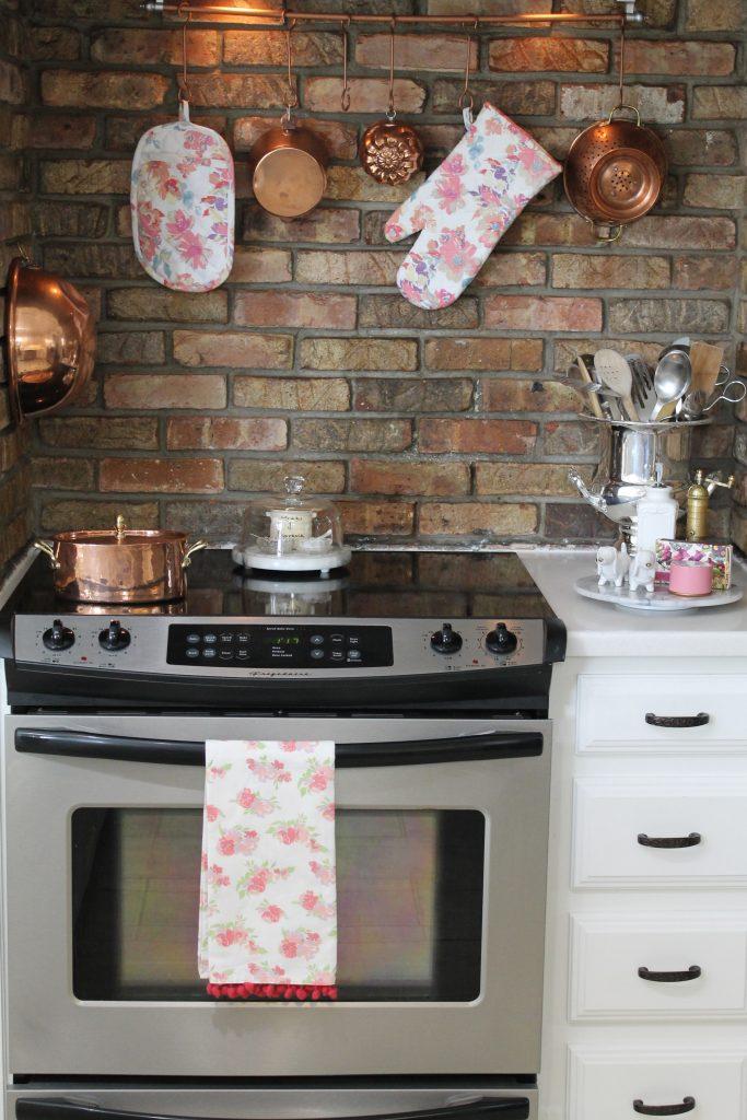Spring Decor To Adore Kitchen