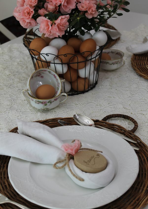 An EGGcellent Easter Table