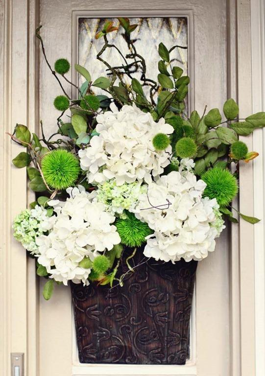 spring door decor by Tracy's Trinkets Treasures.blogspot