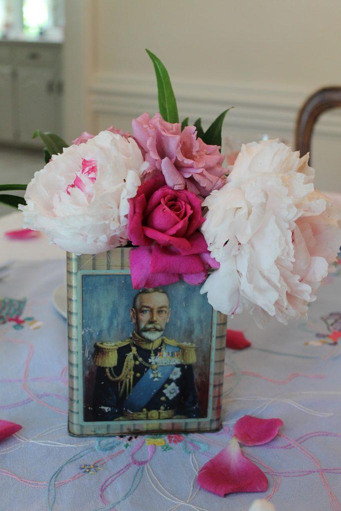 King George V tea tin